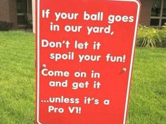 The perfect sign for those living by a golf course! I Rock Bottom Golf Funny Golf Pictures, Thema Golf, Club Face, Golf Quotes, Golf Sayings, Shirt Sayings, Golf Channel, Golf Humor, Golf Fashion