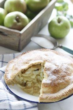 Irish food - apple tart with bramley apples Irish Recipes, Apple Recipes, Apple Farm, Apple Orchard, Apple Pie, Apple Season, Cupcakes, Delish, Sweet Tooth