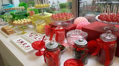 Candy Bar multicolore par Studio Candy pour Voyages SNCF - Bonbons rouges, cupcakes rouges, cake pops rouges