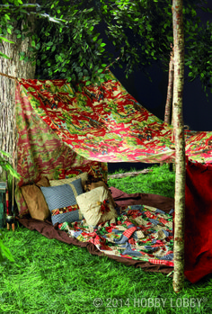 Need a NO-SEW version of our trendy diy tents? This tent features big swathes of fabric, knotted together and suspended from trees (sturdy poles work too!)