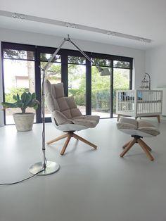 Gietvloer woonkamer Wassenaar grijs B&B Italia Husk fauteuil