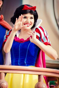 Snow White in Celebrate A Dream Come True Parade at Disney World