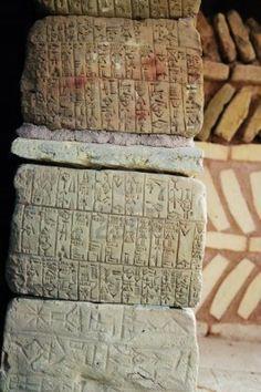 writing-natural-stones-sumerian-writing