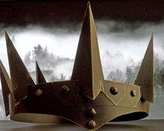 Esselle Crafts: DIY Evil Queen Crown
