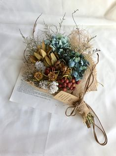 These colors are to die for! Ikebana Flower Arrangement, Flower Vases, Flower Arrangements, Dried Flower Bouquet, Dried Flowers, Bloom Baby, How To Preserve Flowers, Flower Aesthetic, Flower Decorations