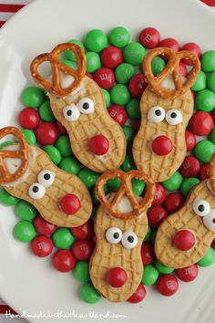 Nutter Butter Reindeer Cookies, these fun simple Christmas cookies will make everyone smile! A great kid food craft and addition to your holiday baking plates. Christmas Cookies Kids, Christmas Snacks, Christmas Cooking, Christmas Goodies, Holiday Cookies, Holiday Treats, Christmas Holidays, Simple Christmas, Christmas Ideas