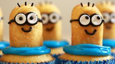 Milano/Twinkie Despicable Me minion cupcakes! - Rosanna Pansino (Instructions video on YouTube)