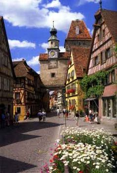 Rothenburg ob der Tauber (Bavaria, Germany) - we love it here.
