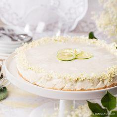Hollerblüten-Limetten-Torte Vanilla Cake, Camembert Cheese, Desserts, Food, Cooking Recipes, Dessert Ideas, Pies, Food Food, Vanilla Sponge Cake