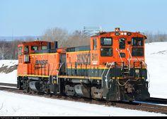 RailPictures.Net Photo: BNSF 3411 Burlington Northern Santa Fe EMD SW1500 at Superior, Wisconsin by Dave Schauer