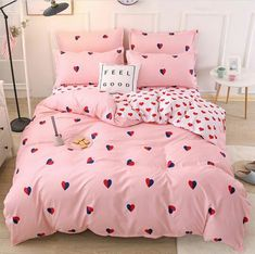 To find out about the Allover Heart Print Sheet Set at SHEIN, part of our latest Bedding Sets ready to shop online today! Cute Bedroom Ideas, Girl Bedroom Designs, Room Ideas Bedroom, Bedroom Furniture, Bedroom Decor, Bedroom Sets, Bedrooms, Dream Rooms, Dream Bedroom