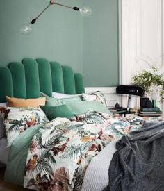 37 Romantic And Tender Feminine Bedroom Design Ideas - Dailypatio Green Headboard, Velvet Headboard, Velvet Bed, Headboard Ideas, Diy Headboards, Bedroom Green, Home Bedroom, Bedrooms, Mint Green Bedding