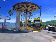 Another beautiful day in Snowmass taking the gondola from the base village to the Snowmass Village mall.  #Snowmass #gondola