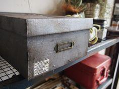 【ペイントリメイク】アイアンペイントで紙の箱が鉄の箱に大変身♪|LIMIA (リミア)