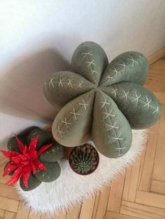 diy pin cushions Cactus pillow Home decor Cactus decor Home decorative pillows Cactus for kids and baby rooms Cactus Toy cactus Red flower Plush Decoration Cactus, Cactus Craft, Felt Crafts, Diy And Crafts, Felt Succulents, Cactus Flower, Baby Cactus, Cactus Cactus, 30 Gifts