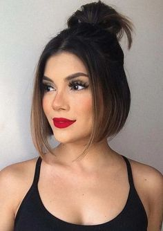 See here fabulous ideas of chin length bob haircuts to create in 2020. You know bob cuts are consist of different varities and it always gives some kind of unique look. Ladies of various age groups like it just to make them look more attractive than before. Bob Haircuts 2017, Best Bob Haircuts, Girl Haircuts, Hairstyles Haircuts, Beauty Tips For Hair, Hair Beauty, Beauty Makeup Tips, Modern Bob Hairstyles, Bob Haircut For Girls