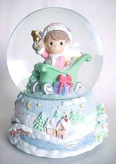 Precious Moments Sleigh Ride Musical Water Snow Globe