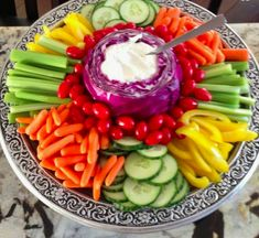 Snacks Für Party, Appetizers For Party, Appetizer Recipes, Party Recipes, Fruit Party, Christmas Appetizers, Christmas Veggie Tray, Appetizer Ideas, Veggie Platters