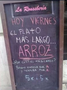 Anuncios ingeniosos para negocios Frases Humor, Humor Grafico, Life Humor, Spanish Quotes, Infographic, About Me Blog, Funny, Vector Freepik, Small Bathrooms