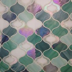 This one always makes me think of the Little Mermaid ~ #enchanting #girlsroom #salon #spa #glasstile #tiles #interiordesign #interiors #decor #surfacedesign #artglass #tuile #powderroom #artisan #iridescent