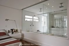 Quartos Integrados com Banheiros de Vidros!