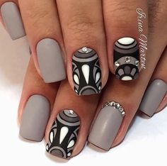 Art Simple Nail #slimmingbodyshapers How to accessorize your look Go to slimmingbodyshapers.com for plus size shapewear and bras