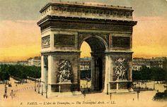 Vintage Travel Postcard - Paris - Arc de Triomphe - The Graphics Fairy #Printable #Vintage
