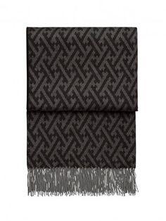 Plaid Amazing in baby alpaca nero Baby Alpaca, Scandinavian Design, Black And Grey, Textiles, Plaid, Rugs, Amazing, Fluffy Rug, Home Accessories