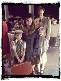 1940s+family+frome+bazaar.jpg 1,200×1,600 pixels