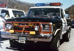 From an TV show based on a real California Police Rescue Squad. Old Police Cars, Police Truck, Ford Police, Police Station, Vintage Trucks, Old Trucks, Fire Trucks, Bronco Truck, Ford Bronco