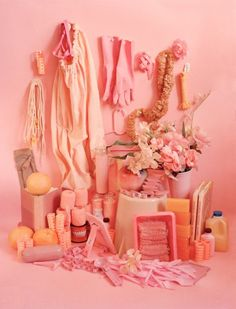 Brooklyn-based photographer Sara Cwynar's 'Color Studies' series is a contemporary take on traditional still life – composed in a playful, yet meticulous way. Cwynar was partially inspired by her love… Images Instagram, Foto Still, Tout Rose, Rosa Pink, Displays, Color Studies, Color Rosa, Pink Color, Everything Pink