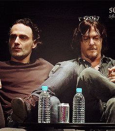 ANDREW AND NORMAN ~ AN ORDINARY COUPLE ... CHILLIN' ON THE COUCH The Walking Dead 2, Walking Dead Funny, Daryl And Rick, Tom Payne, Andy Lincoln, Dead To Me, Dead Man, Rick Grimes, Dead Inside