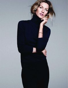 classic turtleneck in all black with minimal jewelry Gisele Bundchen Gisele Bundchen, Look Fashion, Timeless Fashion, Autumn Fashion, Timeless Elegance, Looks Style, Style Me, How To Have Style, Hair Tuck