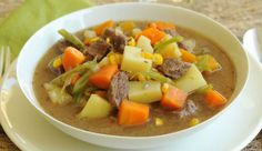 Vegetable beef soup recipe or stew is one of those 'go to' recipes during the wintertime. Beef Soup Recipes, Veggie Recipes, Great Recipes, Cooking Recipes, Recipe Ideas, Chilean Recipes, Chilean Food, Lunches And Dinners, Meals
