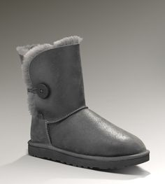 grey bailey button bomber uggs. really want these!