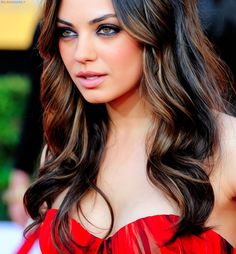 I want her hair....  thinking about getting highlights.