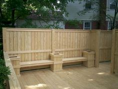 Awesome 75 Simple Backyard Privacy Fence Ideas on A Budget https://decorapatio.com/2017/07/15/75-simple-backyard-privacy-fence-ideas-budget/