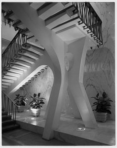 Americana Hotel, 52nd St. and 7th Ave., New York City. Flying staircase II -- Morris Lapidus, Harle  Liebman, architect. Samuel H. Gottscho, photographer. October 31, 1962
