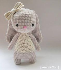 Bruna, the bunny - free crochet pattern by Carla Mitrani / Amour Fou Crochet Bunny Pattern, Crochet Rabbit, Cute Crochet, Crochet Baby, Crochet Patterns Amigurumi, Crochet Dolls, Knitting Patterns, Crochet Animals, Crochet Projects