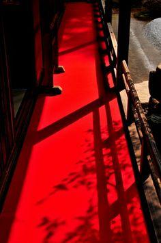 Red corridor at Manshu-in temple, Kyoto, Japan 曼殊院