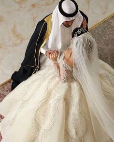 Cute Love Pictures, Strong Words, King Queen, Love Is All, Wedding Dresses, Fashion, Moda, Bridal Dresses, Alon Livne Wedding Dresses