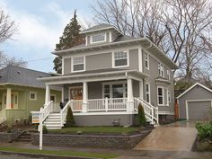 American Foursquare, gray exterior with white trim House Siding, House Paint Exterior, Exterior House Colors, Exterior Design, Gray Exterior, Grey Siding, Craftsman Exterior, Craftsman Bungalows, Craftsman Style