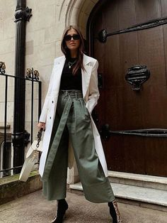 The Trending Trouser Shape That Will Make Your Legs Look Twice as Long - Best Wide Leg Trousers: Darja Barannik in khaki trousers Source by - # Trend Fashion, Estilo Fashion, Fashion Moda, Fashion Pants, Fashion Outfits, H&m Fashion, Womens Fashion, Mode Outfits, Winter Outfits