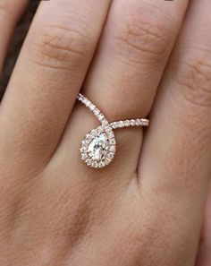 How Are Vintage Diamond Engagement Rings Not The Same As Modern Rings? If you're deciding from a vintage or modern diamond engagement ring, there's a great deal to consider. Engagement Ring Rose Gold, Princess Cut Engagement Rings, Best Engagement Rings, Vintage Engagement Rings, Halo Engagement, Princess Wedding, Vintage Princess, Engagement Jewellery, Wedding Rings Vintage
