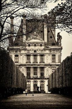 http://sashastergiou.tumblr.com/post/33499204970/tuileries-jardin-looking-back-at-the-louvreTuileries jardin looking back at the Louvre.