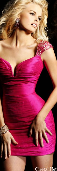 SHERRI HILL - Authentic Designer - Simply Fabulous Dress