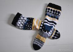 PUISTOLASSA: RUKSI SEINÄÄN - PARILLISET VILLASUKAT (SOPIVASTI ERIPARIA) Knitting Stitches, Knitting Socks, Knitting Ideas, Marimekko Fabric, Knit Crochet, Slippers, Wool, Sewing, Pattern