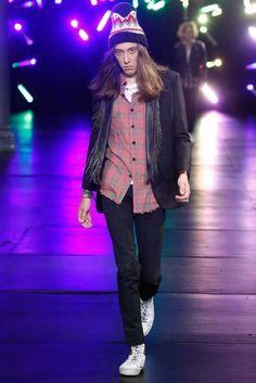 Saint Laurent Spring 2016 Menswear Fashion Show