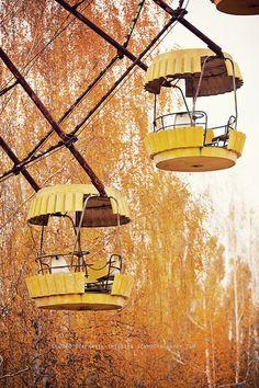 Chernobyl-Ferris wheel cars