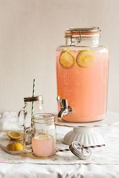 Pink Drinks, Summer Drinks, Cocktail Drinks, Cocktails, Smoothie Diet, Smoothies, Martha Stewart, Glace Fruit, Vegetarian